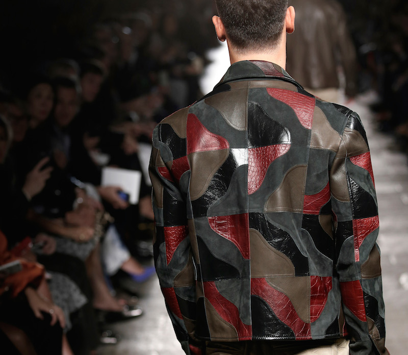 Bottega Veneta's bags, shoes and leather jackets for S/S 2017 go #Camouflage