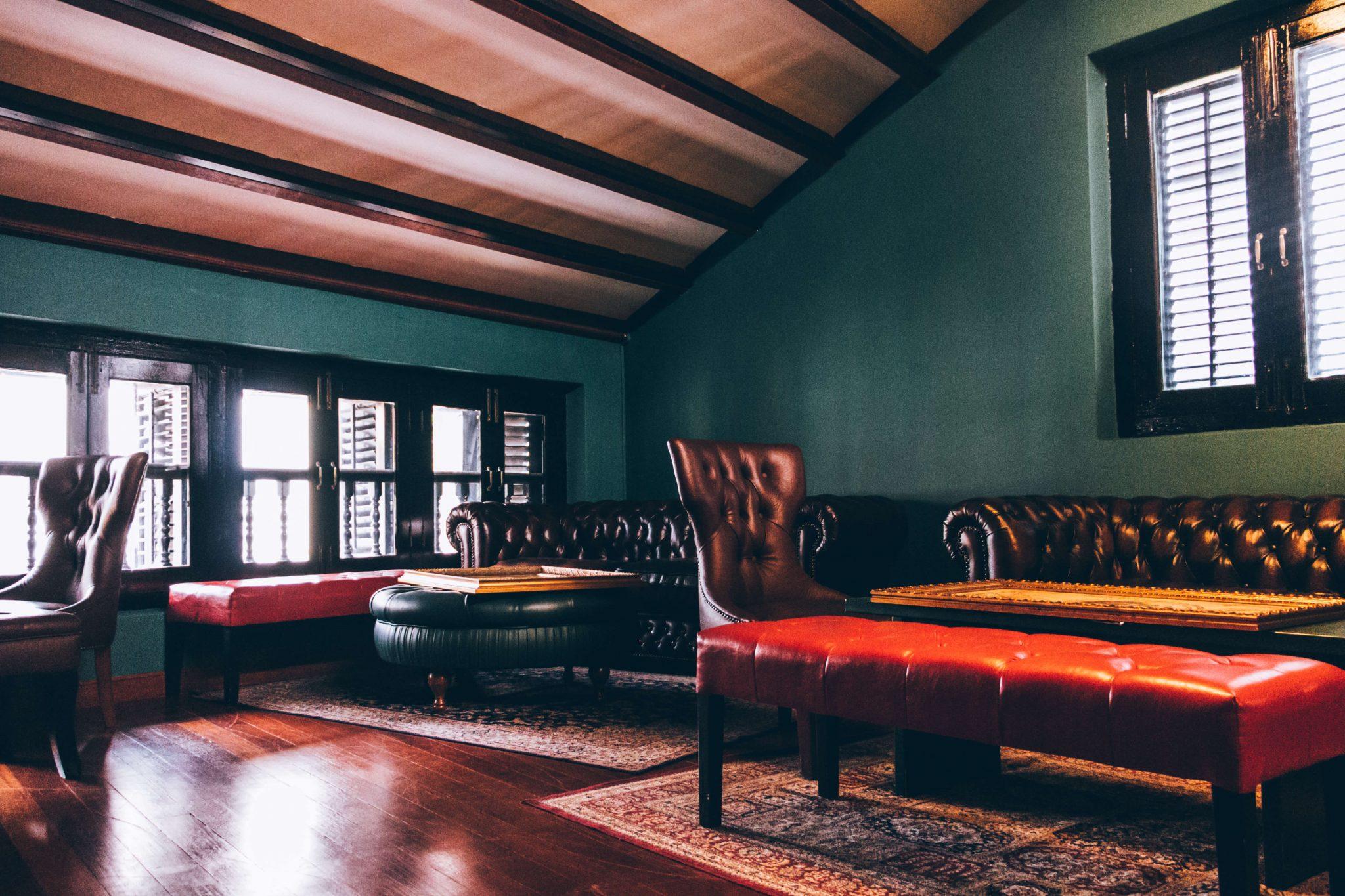 Manor Bar
