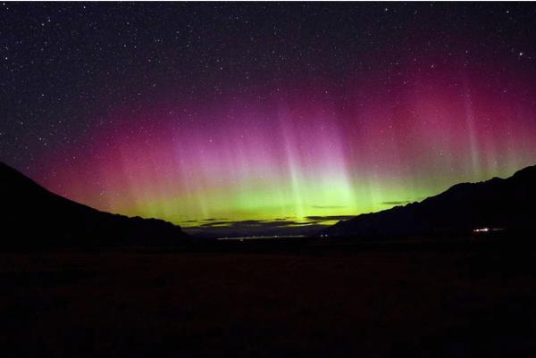Aurora Australis in New Zealand by @dansherwood121
