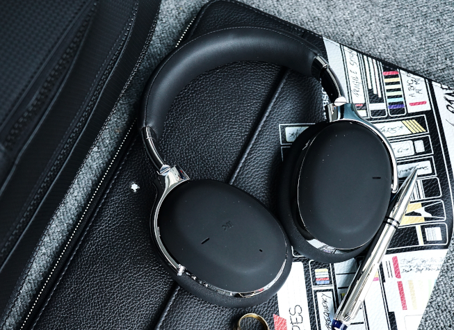 High Tech — A Review of Montblanc's New MB01 Smart Headphones