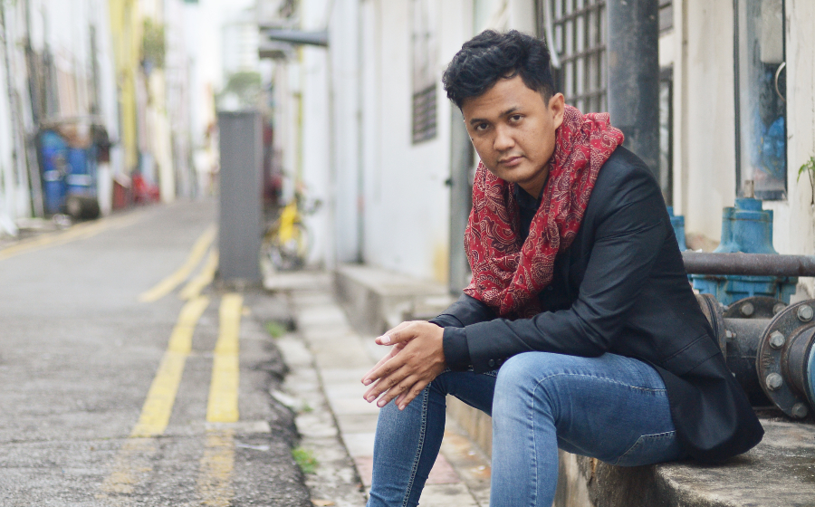 """Suffian Hakim on His Latest Experiment """"The Serial Short Story Project"""""""